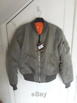 Alpha Industries MA1 Flight/Flying/Bomber Jacket. Green. Size Medium