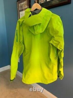 ArcTeryx Alpha SV Jacket Men's Medium Color Utopia Great Condition