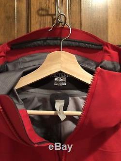 Arc'teryx Alpha SV Jacket Men's Medium Red