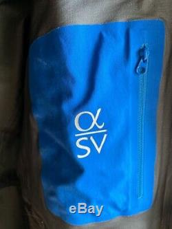Arc'teryx alpha sv gore-tex Pro Shell made in Canada mens size M col. Black USED