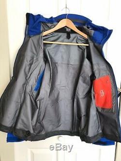 Arctery'x Alpha AR Jacket Women's. Gore-Tex Size Medium. Somerest Blue
