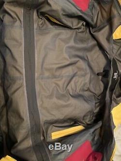 Arcteryx Alpha SV Jacket Gore-Tex pro 3L Hard shell Womens Medium M Yellow