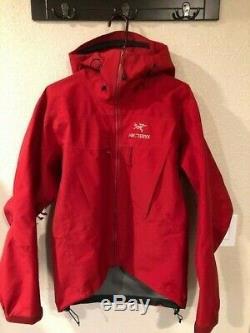 Arcteryx Alpha SV Jacket Mens Medium M MADE IN CANADA