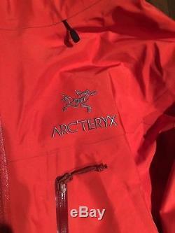 Arcteryx Alpha SV Mens Jacket Medium / Cardinal