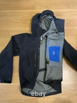 Black arcteryx arcteryx alpha sv jacket coat windbreaker Medium