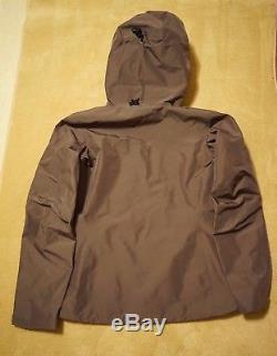 NEW Arcteryx Alpha SV Women's Jacket Hardshell GORETEX (Medium/M) MSRP $750