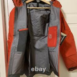 NWTs $749 Arcteryx Womens Alpha SV Gore-Tex Pro Jacket/Large. Cardinal (18081)