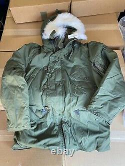 US. Military Issue Extreme Cold Weather N-3B Parka Jacket Coat Size Medium New