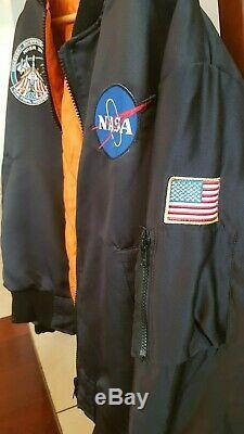 Alpha Industries Style De La Nasa Vintage Bomber Jacket Par Urban Outfitters M Noir