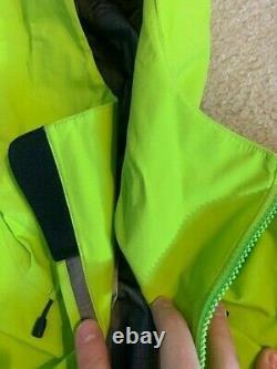 Arcteryx Alpha Sv Jacket Homme De Couleur Moyenne Utopia Grande Condition