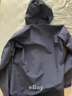 Nouvelle Veste Arcteryx Alpha Sv, Homme Moyen, Noir, Fabriquée Au Canada